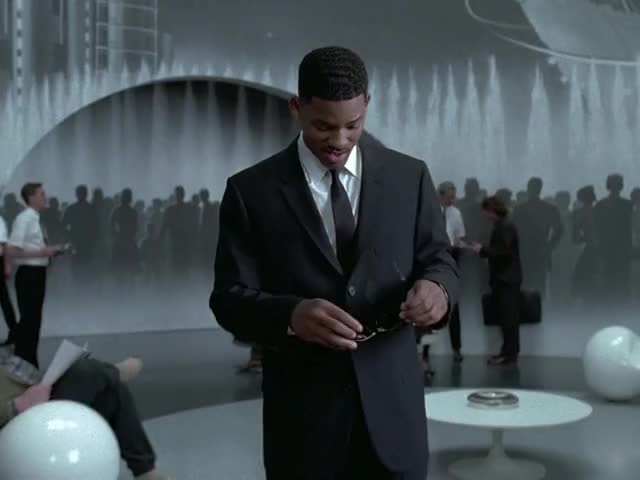 Watch and share Men In Black GIFs and Will Smith GIFs by MikeyMo on Gfycat