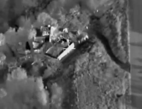 *NEW* 2 Russian Airstrike on Daesh GIFs
