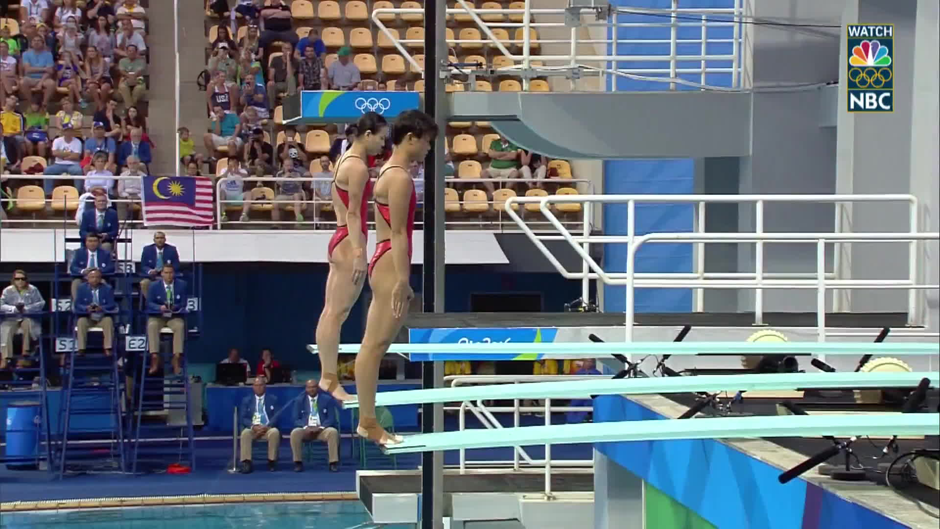 nbc sports, olymgifs, olympics, Duo from China takes gold with perfectly synchronized dives GIFs