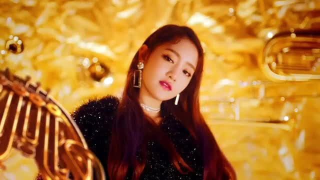 Watch and share Senorita GIFs and Gidle GIFs by queezle on Gfycat