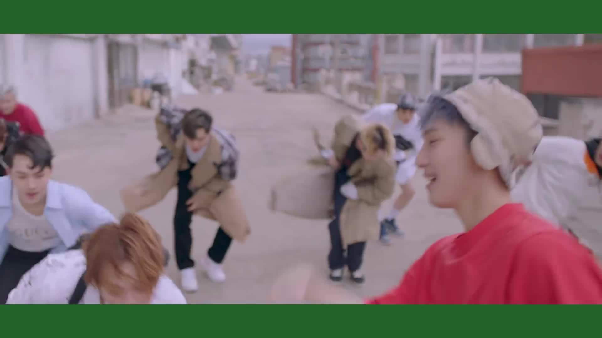 Dân Hàn chẳng buồn nghe nhưng bài hát này lại đang khiến dàn idol điên đảo