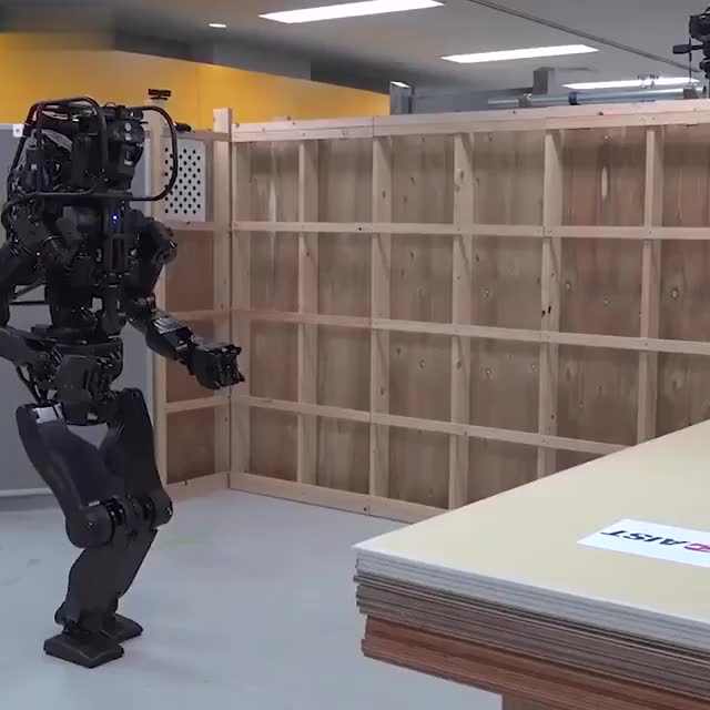 Watch and share Robot GIFs by GIFs For Everything on Gfycat