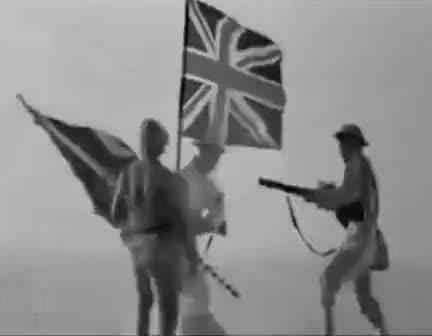 İngiliz Bayrağını İndirip Türk Bayrağını Koyan Türk!
