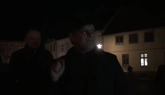 Donald Trump Nazi Deutschland nicht untergegangen 12.Januar 2017 GIFs