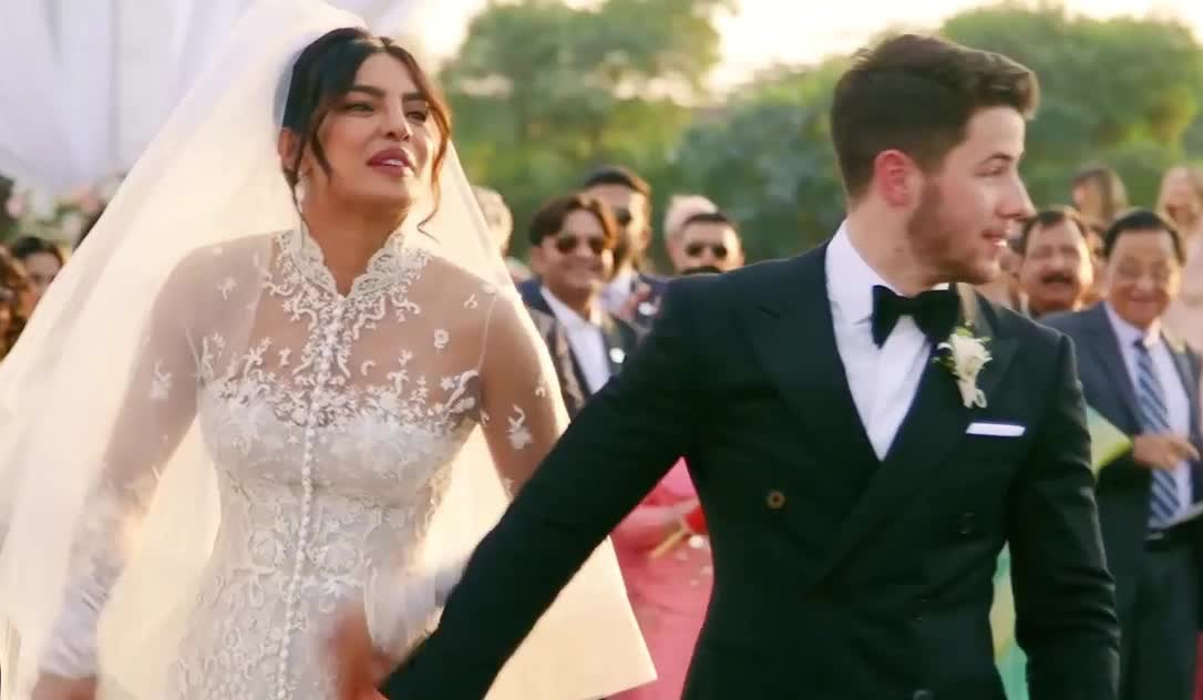 aww, blow, bye, chopra, confused, couple, cu, excited, happy, jonas, kiss, kisses, marriege, nick, priyanka, smile, wait, wedding, what, wtf, Priyanka Chopra And Nick Jonas' Emotional Wedding GIFs