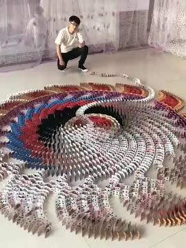 This card domino effect mandalas - oddlysatisfying GIFs
