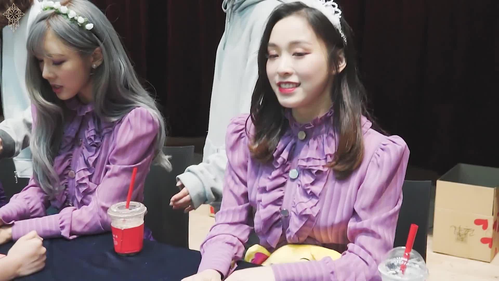 dreamcatcher, gah, gahhyeon, Gahyeon fabulous  GIFs