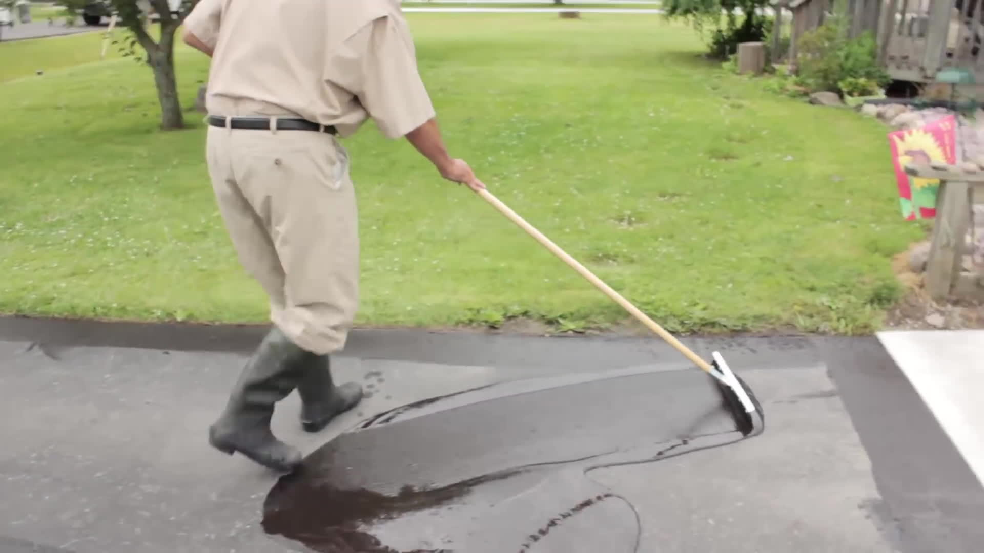 Asphalt gifs search search share on homdor diy do it yourself pavement asphalt seal your own driveway gifs solutioingenieria