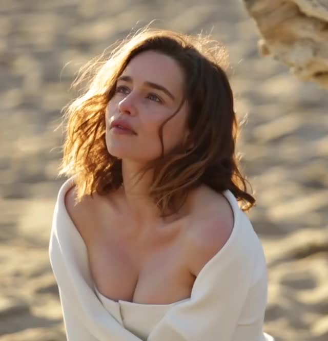 Watch this emilia clarke GIF by @satanchrist on Gfycat. Discover more emilia clarke, model GIFs on Gfycat