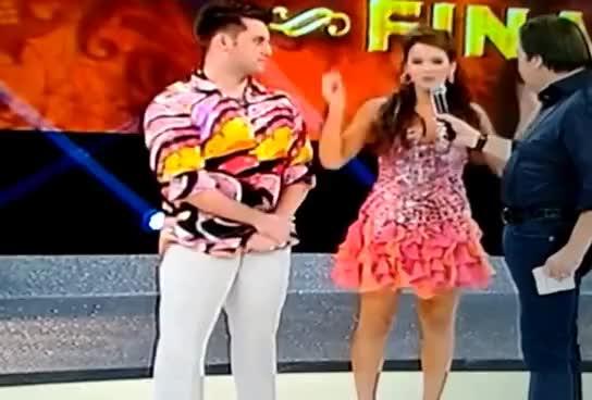 Watch and share Bruna Marquezine Na Final Da Dança Dos Famosos 2013 GIFs on Gfycat