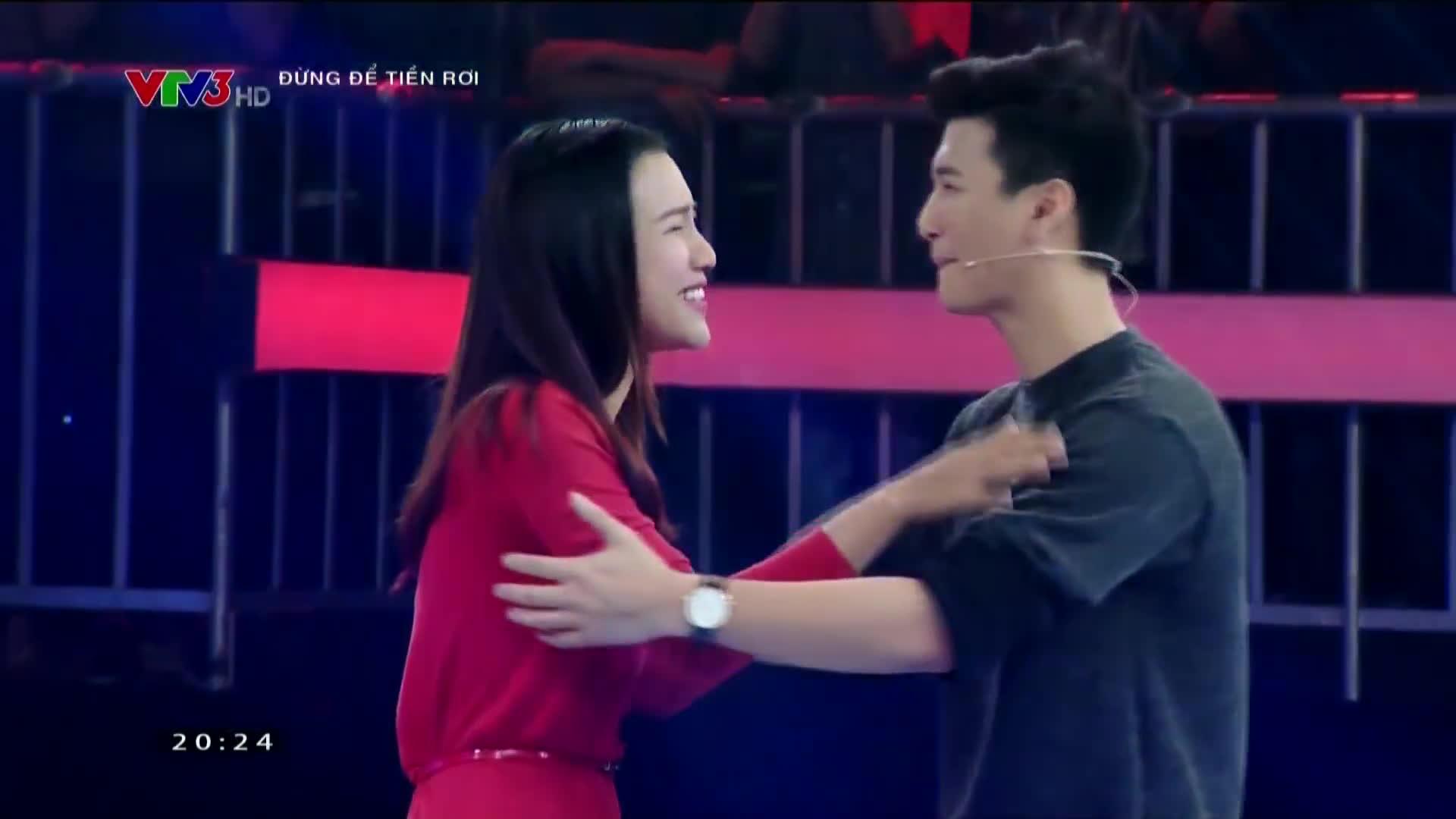 Tiếc nuối nhìn lại loạt khoảnh khắc như cổ tích của Huỳnh Anh  Hoàng Oanh tại các gameshow truyền hình