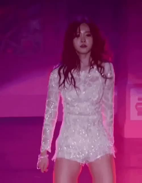 Watch and share Naeun GIFs by Taelin1738  on Gfycat