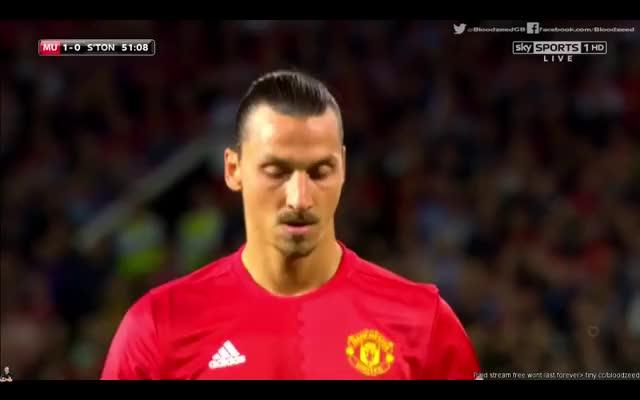 Watch this GIF on Gfycat. Discover more Zlatan Ibrahimovic GIFs on Gfycat