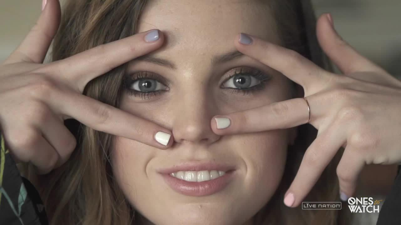 girls_smiling, sydneysierota, Sydney Sierota (reddit) GIFs