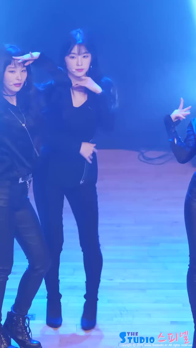 Watch and share Red Velvet GIFs and Rookie GIFs by Hyosung on Gfycat