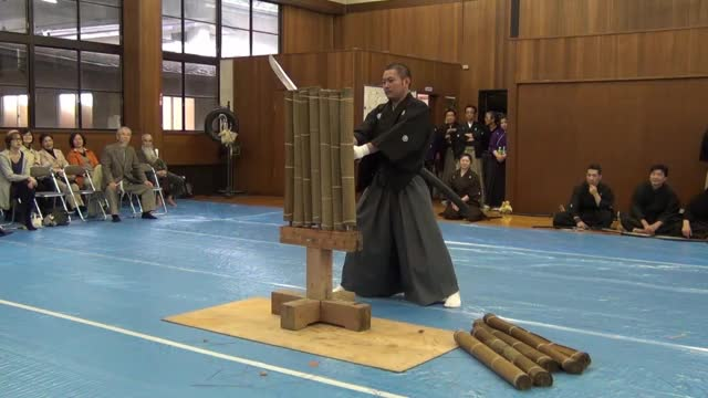 Watch 明治神宮奉納 居合抜刀道 第八回全国大会(Meiji Shrine dedication) GIF by slimjones123 on Gfycat. Discover more Iaido, Meiji, Meizi, Shrine, 奉納, 居合, 抜刀, 明治神宮, 真剣, 神社 GIFs on Gfycat