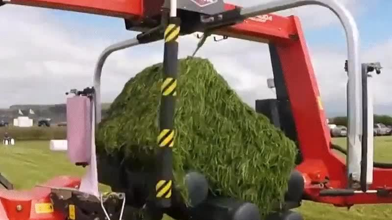 damnthatsinteresting, oddlysatisfying, specializedtools, Wrapping a hay bale GIFs