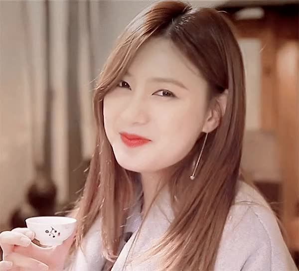 Watch and share 오하영 GIFs on Gfycat