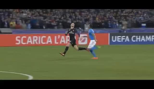 gareth bale, soccer, Gareth Bale first touch ball control vs Napoli GIFs