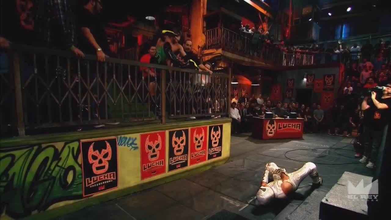 LuchaUnderground, SquaredCircle, luchaunderground, Lucha Underground - Jack Evans does a 450 splash off the guard rail! GIFs
