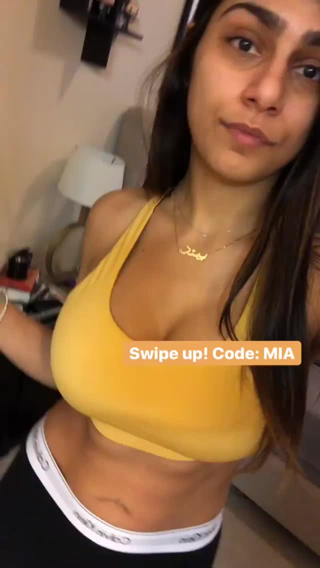 Mia Khalifa, boobs, breasts, Mia Khalifa Speaking Her Mind GIFs