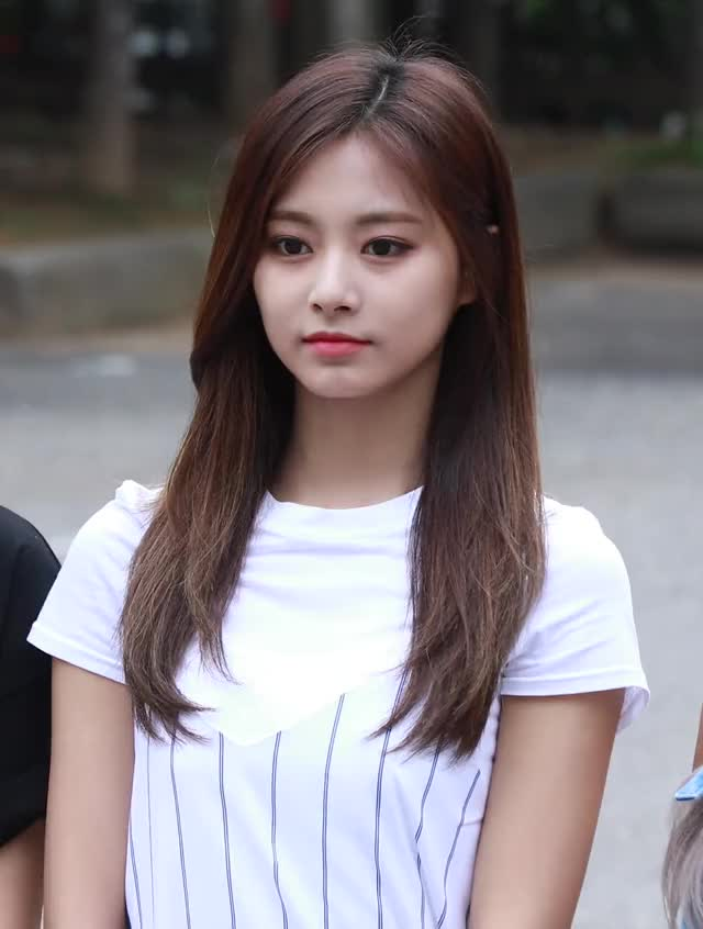Watch this tzuyu GIF by Blueones (@blueones) on Gfycat. Discover more kpop, twice, tzuyu, wave GIFs on Gfycat