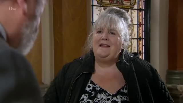 Watch and share Emmerdale Lisa Dingle GIFs on Gfycat
