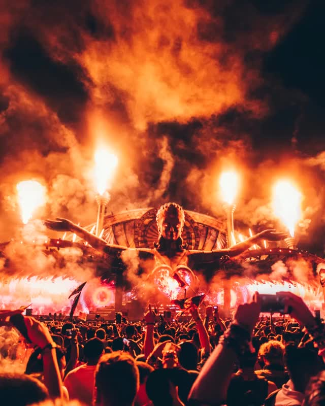 Watch and share Edc Cinemagraph GIFs and Edm Cinemagraph GIFs by Razmig on Gfycat