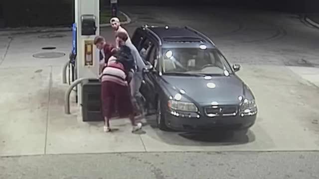 Watch and share Stupid Robbery GIFs by Artyom  Malobenskiy on Gfycat