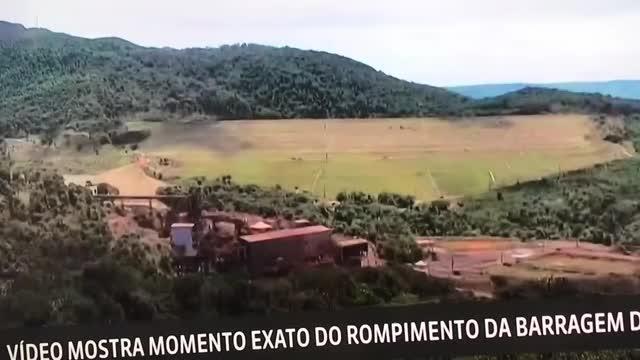 Watch and share Exato Momento Em Que A Barragem De Brumadinho Se Rompe GIFs on Gfycat