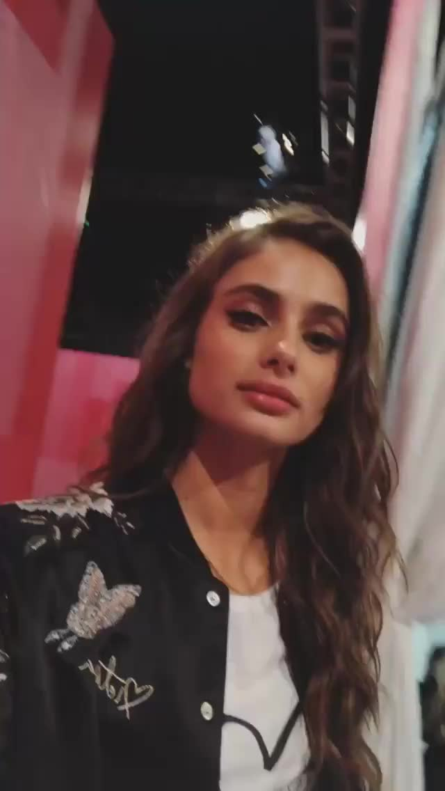 Watch and share Taylor Hill GIFs by dgd on Gfycat