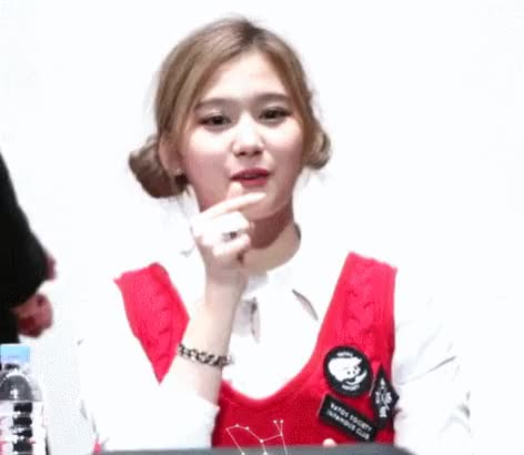 Watch and share Celebs GIFs and Twice GIFs by 킹 갓 짤 저장소 on Gfycat