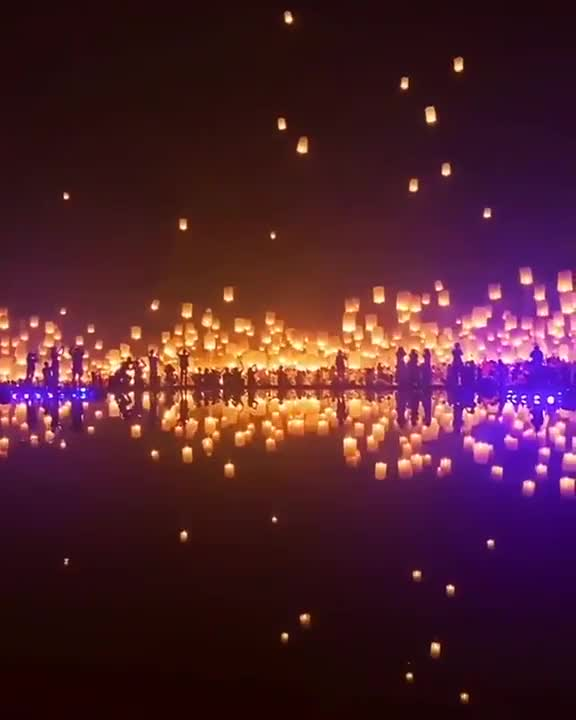 Watch and share Thailand Lantern Launch GIFs by longshanks on Gfycat