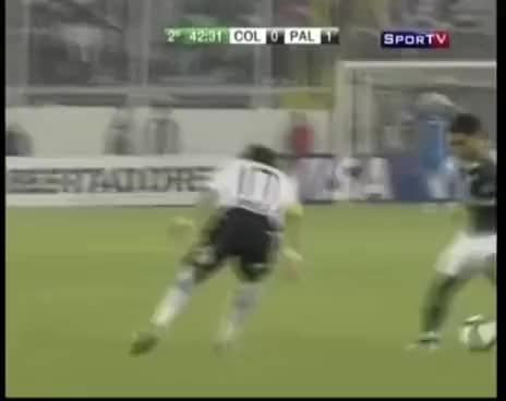 Watch and share Colo Colo 0 X 1 Palmeiras - Cleiton Xavier (José Silvério) GIFs on Gfycat
