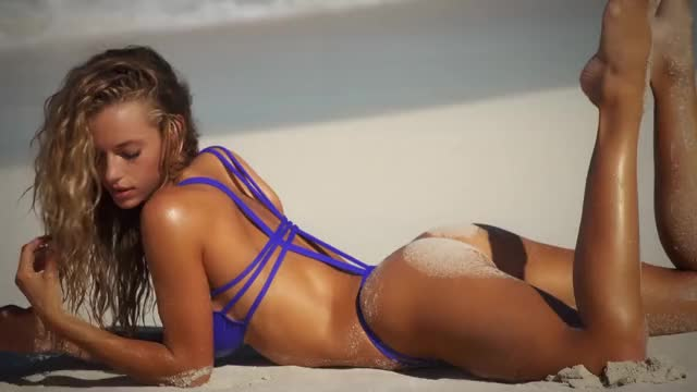 Watch and share Sports Illustrated Swimsuit GIFs and Hannah Ferguson GIFs by younghawthollywood on Gfycat