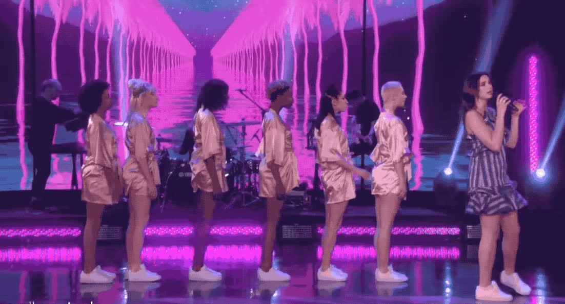 bored, boring, dance, dancing, dua, ellen, line, lipa, new, rules, show, sleep, sleepy, tired, Dua lipa shows Ellen her 'new-rules' GIFs