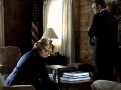 Jayne Atkinson and Kevin Spacey in House of CardsSeason 2, E