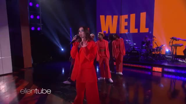 Watch and share Ellen Degeneres GIFs and Performance GIFs by dgd on Gfycat