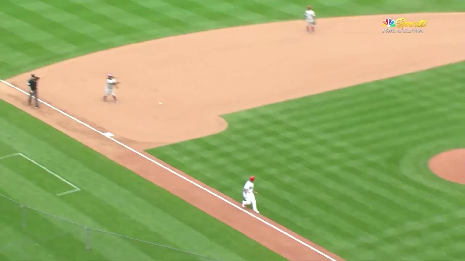 baseball, cardinals, dodge, molina, st louis cardinals, tag, Yadier Molina dodges tag GIFs