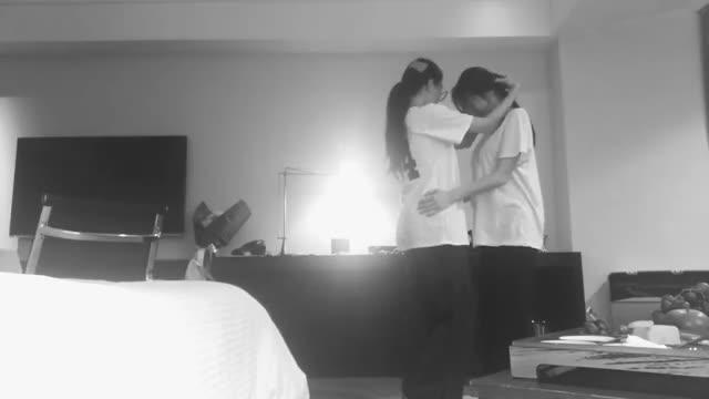 Cặp tình nhân Jiyeon  Hyomin tiếp tục khiến shipper bấn loạn vì clip trong phòng ngủ