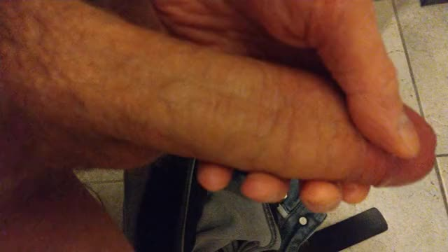 uncircumcised do have more fun! ?? 38M4F