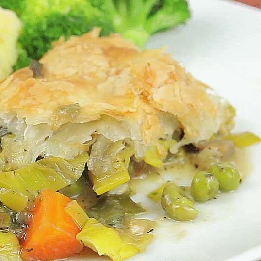 GifRecipes, vegangifrecipes, One-Pan Mushroom And Leek Pie GIFs