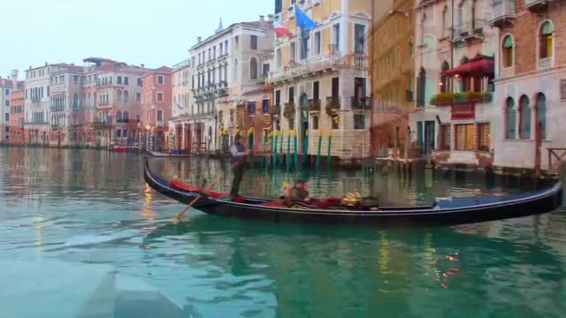 Watch and share Travel To Venice GIFs and Ponte Di Rialto GIFs by nall-edge on Gfycat