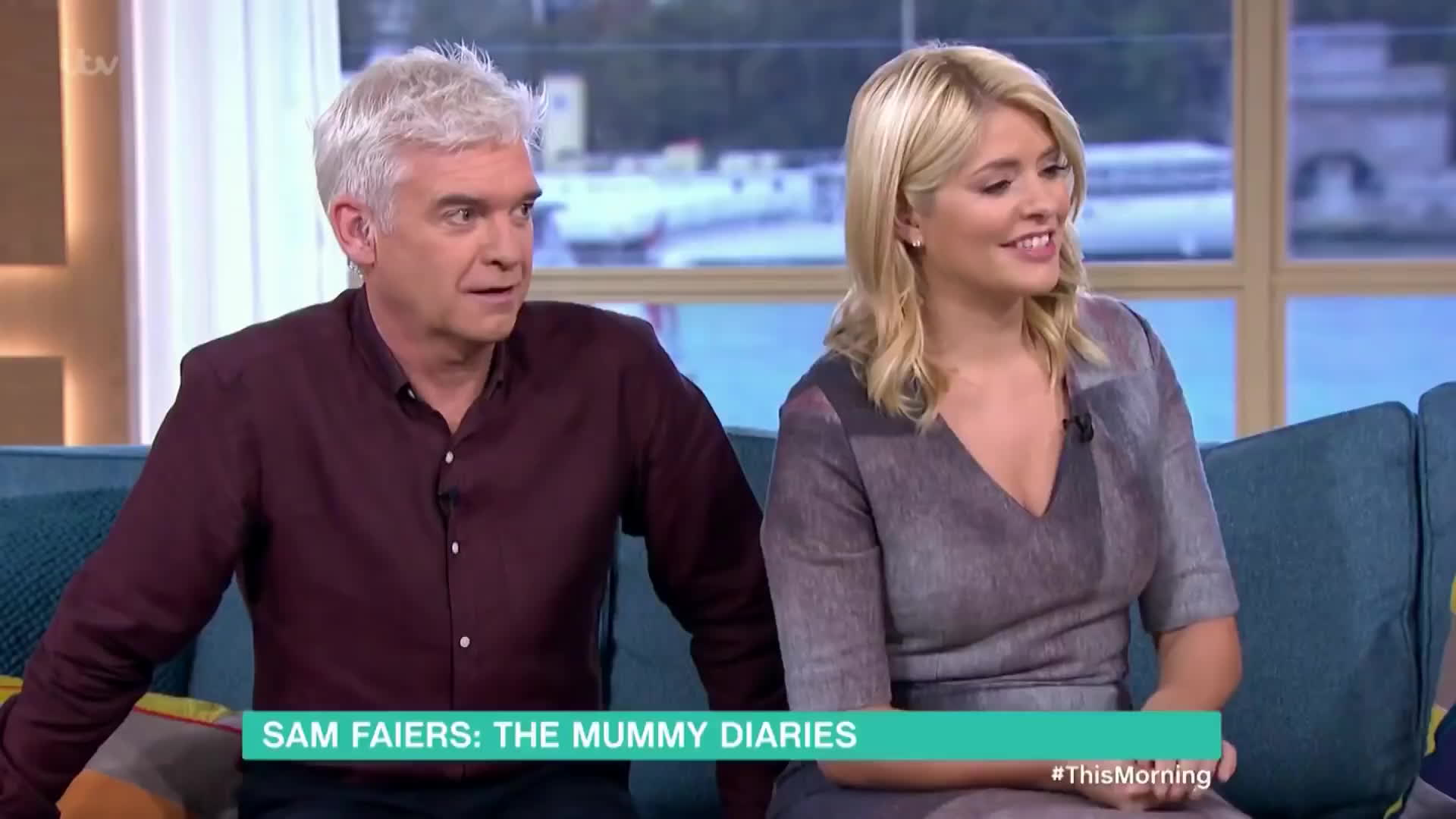 Holly Willoughby, holly willoughby butt, holly willoughby curvy, thehollywilloughby, HUGE Juicy Butt bending over in Tight Dress GIFs