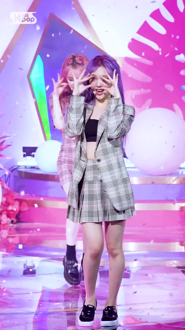 Watch and share (OH MY GIRL MIMI 'Nonstop' FanCam)│@SBS Inkigayo 2020.5.3-16 GIFs by swachu on Gfycat