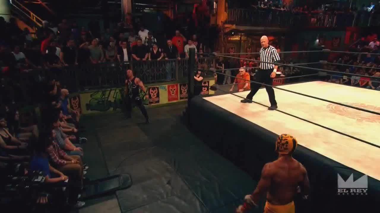 LuchaUnderground, SquaredCircle, luchaunderground, Lucha Underground - Prince Puma uses the temple to his advantage! GIFs