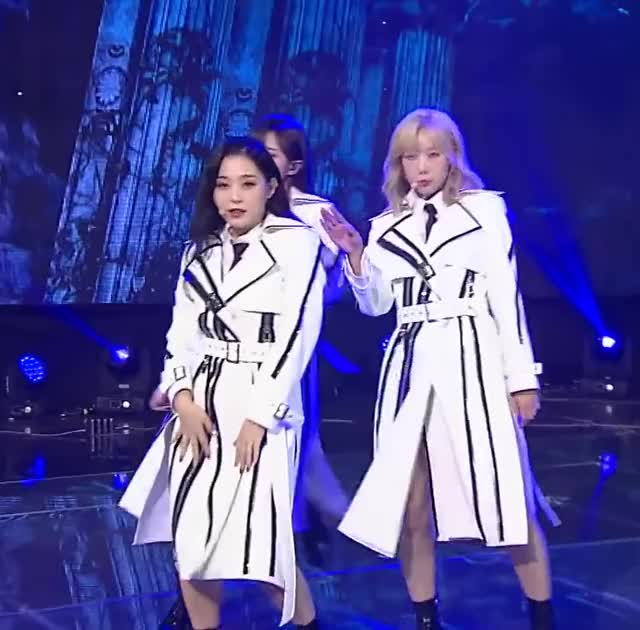 Watch and share Gahyeon GIFs and Kpop GIFs by Just Dancing on Gfycat