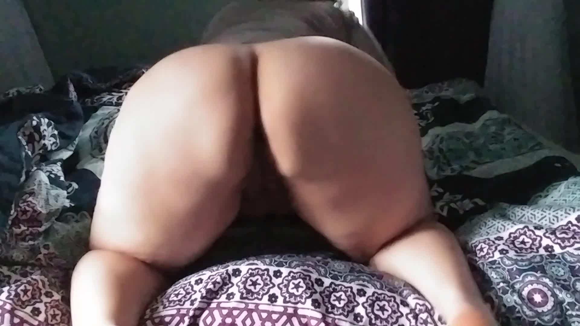 Big booty booty bouncing🍑