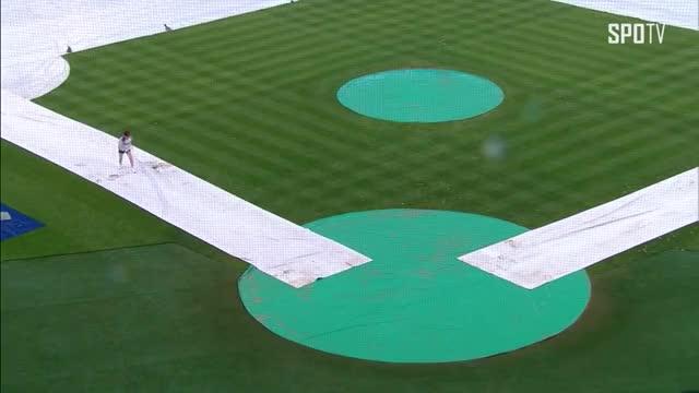Watch [KBO리그] 깜찍한 우천 세레머니 보여주는 트와이스 다현 (07.07) GIF by @beechun1 on Gfycat. Discover more HR, KBO, Korea, SPOTV, baseball, hit, homerun, league, professional, stadium GIFs on Gfycat