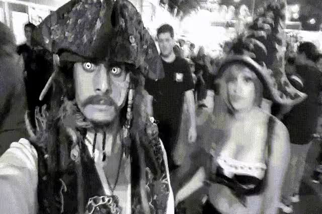 Watch this GIF on Gfycat. Discover more Comiccon, JackSparrow, Sparrow GIFs on Gfycat